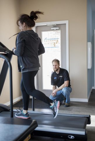 Physical therapy for runners and distance running training and running injury rehab in Cody Wyoming